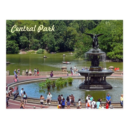 Fountain and Lake in Central Park, New York