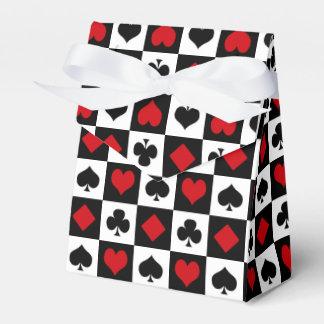 Four card suits favour boxes