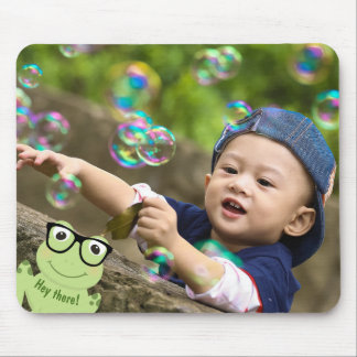 "Four-Eyed Frog ""Photo Bomb"" Mouse Mat"