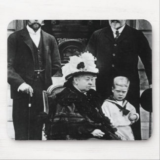 Four Generations of Victorian Royalty Mouse Mat
