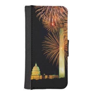 Fourth of July, Firework Display, Skyline iPhone SE/5/5s Wallet Case