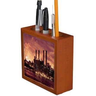 Fourth of July Fireworks behind Manhattan Desk Organiser
