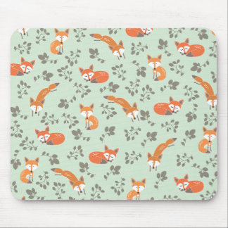 Foxy Floral Pattern Mouse Mat