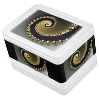 Fractal. Gold, silver, black. Igloo Cool Box