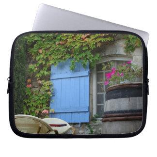 France, Les Baux de Provence, café patio Laptop Sleeve