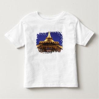 FRANCE, Paris Eiffel Tower, evening view Tshirt
