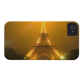 France, Paris. Eiffel Tower illuminated at 3 Case-Mate iPhone 4 Case