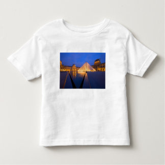 France, Paris. The Louvre museum at twilight. Toddler T-Shirt