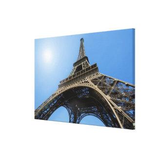 FRANCE, PARIS, TOUR EIFFEL CANVAS PRINT