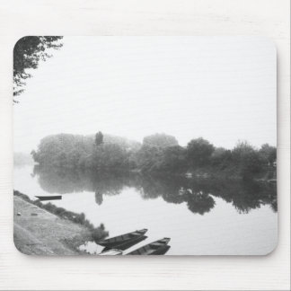 FRANCE, Touraine, The Loire: CHINON Boats along Mouse Pad