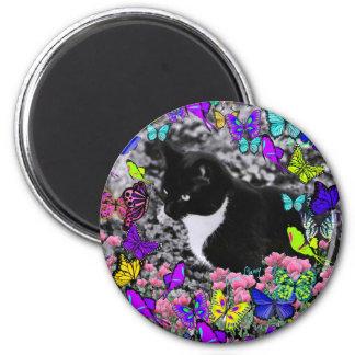 Freckles in Butterflies II - Tuxedo Kitty Cat 6 Cm Round Magnet