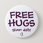 FREE HUGS 7.5 CM ROUND BADGE