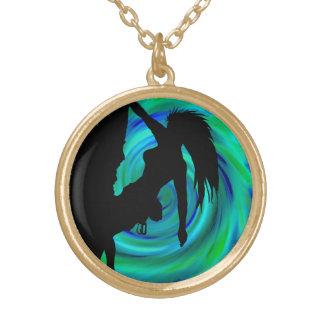 free spirited round pendant necklace