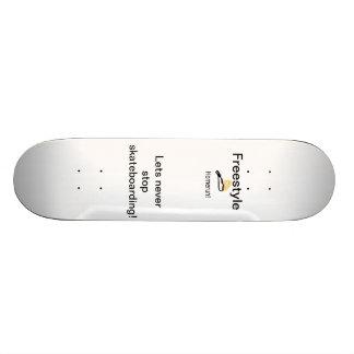 Freestyling skateboard