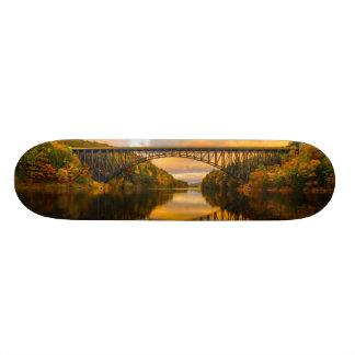 French King Bridge in Fall 18.1 Cm Old School Skateboard Deck