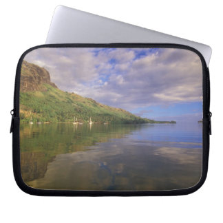 French Polynesia, Moorea. Cooks Bay. Cruise ship 2 Laptop Sleeve