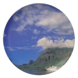 French Polynesia, Moorea. Cooks Bay. Cruise ship 3 Plate