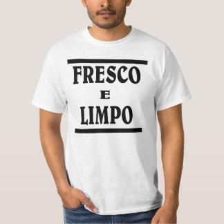 Fresh n Clean in Portuguese . FRESCO E LIMPO T Shirt