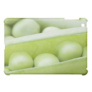 Fresh organic peas iPad mini case