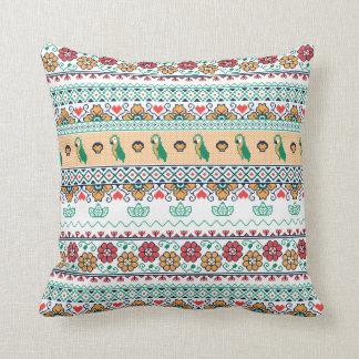Frida Kahlo | Patrón de Colores Cushion