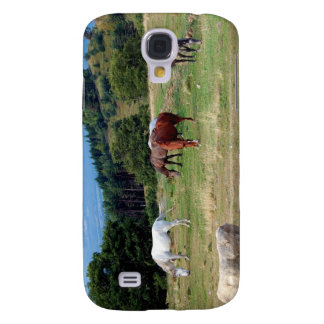 FRIENDLY HORSES GALAXY S4 COVERS