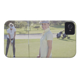 Friends playing golf Case-Mate iPhone 4 case