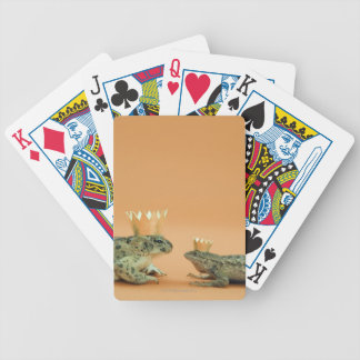 Frog and lizard wearing crowns bicycle playing cards