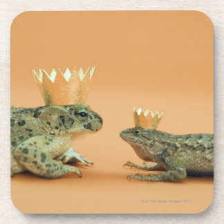 Frog and lizard wearing crowns coaster