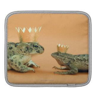 Frog and lizard wearing crowns iPad sleeve