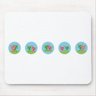 frog couple mousepad