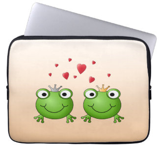Frog Prince and Frog Princess, with hearts. Laptop Sleeve