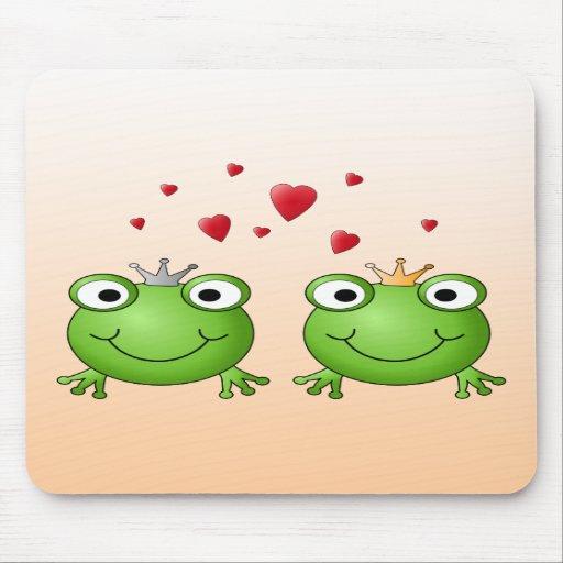 Frog Prince and Frog Princess, with hearts. Mousepad