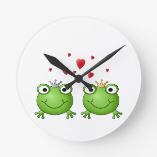Frog Prince and Frog Princess, with hearts. Round Clock