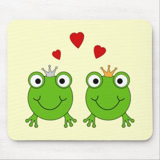Frog Princess and Frog Prince with hearts Mousepad