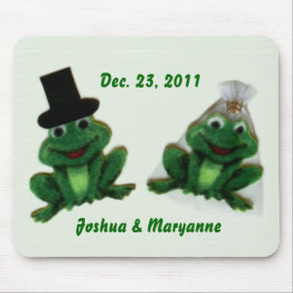 Froggy Wedding - Mousepad