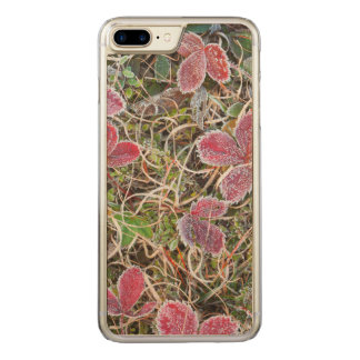 Frost covered leaves, Canada Carved iPhone 8 Plus/7 Plus Case