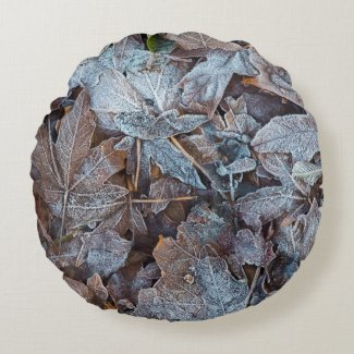Frosty Autumn Leaves II Round Cushion