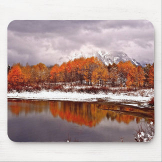 FRST SNOW AT OXBOW BEND IN GRAND TETON MOUSE MAT