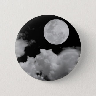 FULL MOON CLOUDS BLACK AND WHITE 6 CM ROUND BADGE
