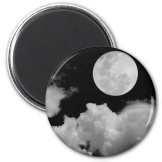 FULL MOON CLOUDS BLACK AND WHITE 6 CM ROUND MAGNET