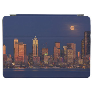 Full moon rising over downtown Seattle skyline iPad Air Cover