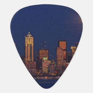 Full moon rising over downtown Seattle skyline Plectrum