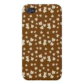 Fun Dark Brown and Linen Autumn Leaf Pattern iPhone 4/4S Cases