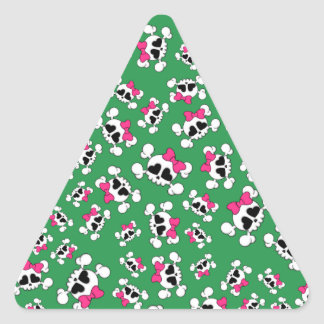 Fun green skulls and bows pattern triangle stickers