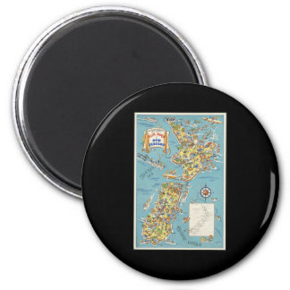 Fun map of New Zealand 6 Cm Round Magnet