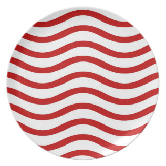 Fun Red and White Wavy Lines Stripes Pattern Gifts Plate