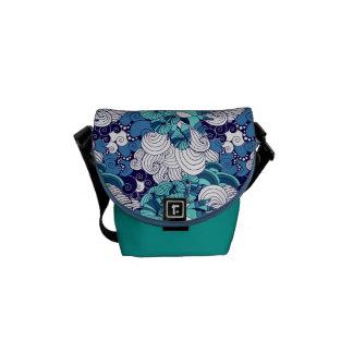 Funky Seashell Pattern Commuter Bag