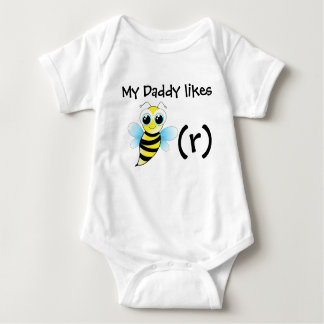 Funny bee bodysuit for baby. My daddy likes beer.