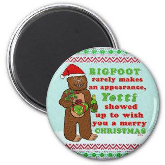 Funny Bigfoot Merry Christmas Sasquatch Pun 6 Cm Round Magnet