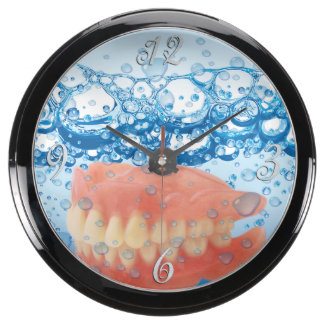 Funny Dentures in Bubble Water Aquavista Clock